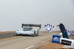 Финиш: Ромен Дюма, Volkswagen I.D. R Pikes Peak (№94)