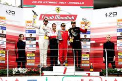 Podio: il vincitore della gara #199 Ferrari of Vancouver Ferrari 488: Wei Lu, al secondo posto #170