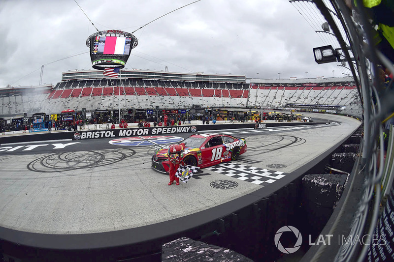1. Kyle Busch, Joe Gibbs Racing, Toyota Camry Skittles