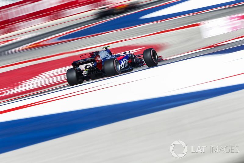 2017 год. За рулем болида Toro Rosso STR12 на квалификации