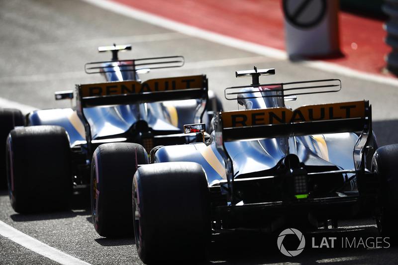 Carlos Sainz Jr., Nico Hulkenberg, Renault Sport F1 Team RS17