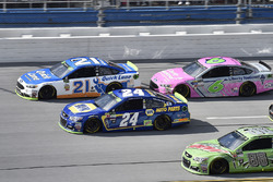 Райан Блэни, Wood Brothers Racing Ford, Чейс Эллиотт, Hendrick Motorsports Chevrolet и Тревор Бейн,