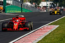 Sebastian Vettel, Ferrari SF71H, Nico Hulkenberg, Renault Sport F1 Team R.S. 18