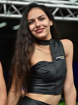 Strakka girl