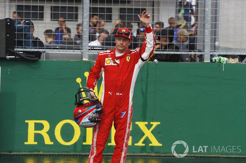 Le troisième, Kimi Raikkonen, Ferrari dans le Parc Fermé