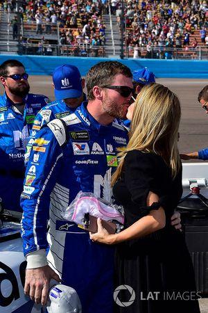 Dale Earnhardt Jr., Hendrick Motorsports Chevrolet, mit Ehefrau Amy
