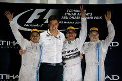 Подиум: второе место – Фелипе Масса, Williams, Тото Вольф, исполнительный директор Mercedes AMG, поб