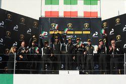 Podium AM : les vainqueurs Philipp Wlazik, Florian Scholze, Dörr Motorsport, le deuxième, Matej Konopka, ARC Bratislava, le troisième, Mario Cordoni, GDL Racing et le premier en LB Cup Gerard Van der Horst, Van Der Horst Motorsport, le deuxième, Oliver Engelhardt, Dörr Motorsport, le troisième, Tim Richards, Toro Loco