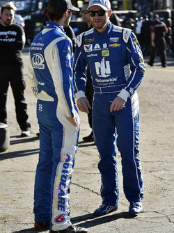 Dale Earnhardt Jr., Hendrick Motorsports Chevrolet y Trevor Bayne, Roush Fenway Racing Ford