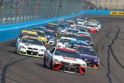 Matt Kenseth, Joe Gibbs Racing Toyota, Denny Hamlin, Joe Gibbs Racing Toyota, Chase Elliott, Hendric