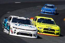 Tyler Reddick, JR Motorsports, Chevrolet Camaro Takl Brad Keselowski, Team Penske, Ford Mustang Menards/Richmond