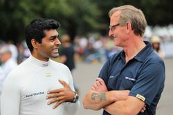 Karun Chandhok and Williams Heritage General Manager Dickie Stanford