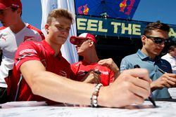 Autograph session, Ralf Aron, PREMA Theodore Racing Dallara F317 - Mercedes-Benz