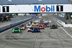 #90 Spirit of Daytona Racing Cadillac DPi, P: Tristan Vautier, Matt McMurry, Eddie Cheever III leads