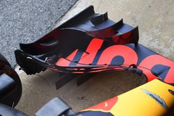 Red Bull Racing RB14 front wing detail