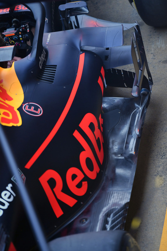 Red Bull Racing RB14 sidepod detay