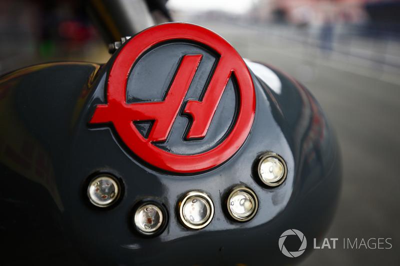 Equipaggiamento Haas per i pit stop