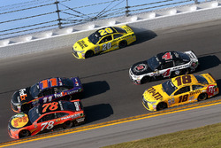 Matt Kenseth, Joe Gibbs Racing Toyota, Denny Hamlin, Joe Gibbs Racing Toyota, Martin Truex Jr., Furn