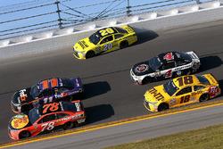 Matt Kenseth, Joe Gibbs Racing Toyota, Denny Hamlin, Joe Gibbs Racing Toyota, Martin Truex Jr., Furn