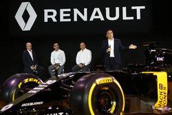 Карлос Гон, президент Renault представляет Renault R.S. 16 вместе с Жеромом Столлом, президент Renau