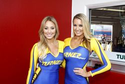 Les Turner Motorsport Girls