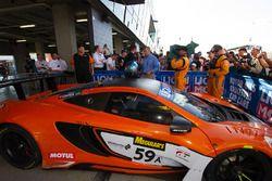 Kazanan araç #59 Tekno Autosports McLaren 650S: Shane van Gisbergen, Alvaro Parente, Jonathon Webb