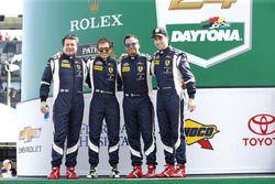 #51 Spirit of Race Ferrari 458 : Peter Mann, Raffaele Giammaria, Matteo Cressoni, Marco Cioci
