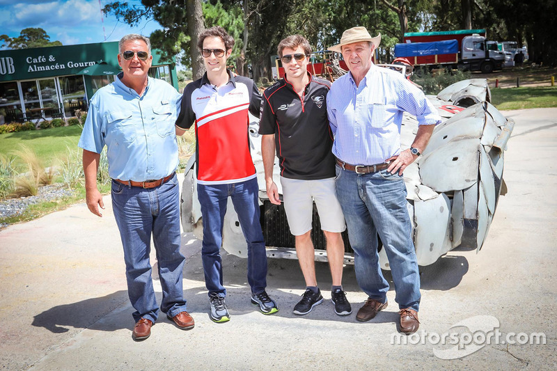 Bruno Senna, Mahindra Racing und Jérôme d'Ambrosio, Dragon Racing beim Besuch von Juan Manuel Fangio