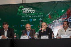 Gerard Neveu, CEO WEC; José Abed Vicepresidente de FIA México; Jean Todt Presidente de FIA y Ricardo