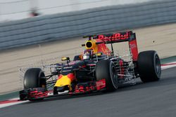 Daniil Kvyat, Red Bull Racing RB12 avec des instruments de mesure