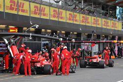 Sebastian Vettel, Ferrari SF71H et Kimi Raikkonen, Ferrari SF71H