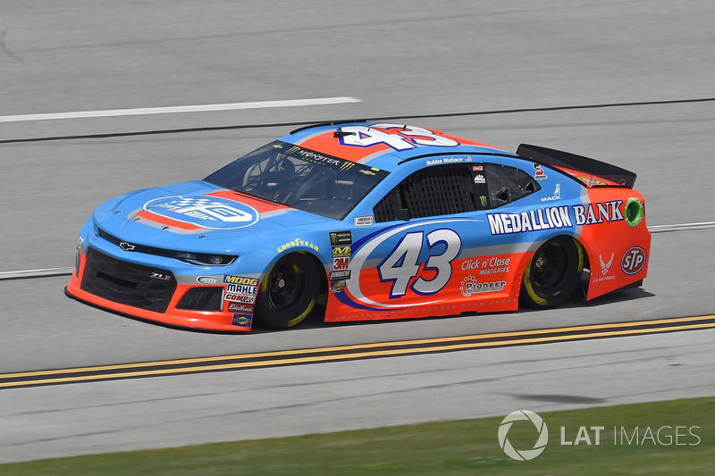 15. Darrell Wallace Jr., Richard Petty Motorsports, Chevrolet Camaro Petty's Garage / Medallion Bank