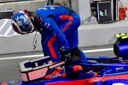 Pierre Gasly, Scuderia Toro Rosso STR13 en parc ferme