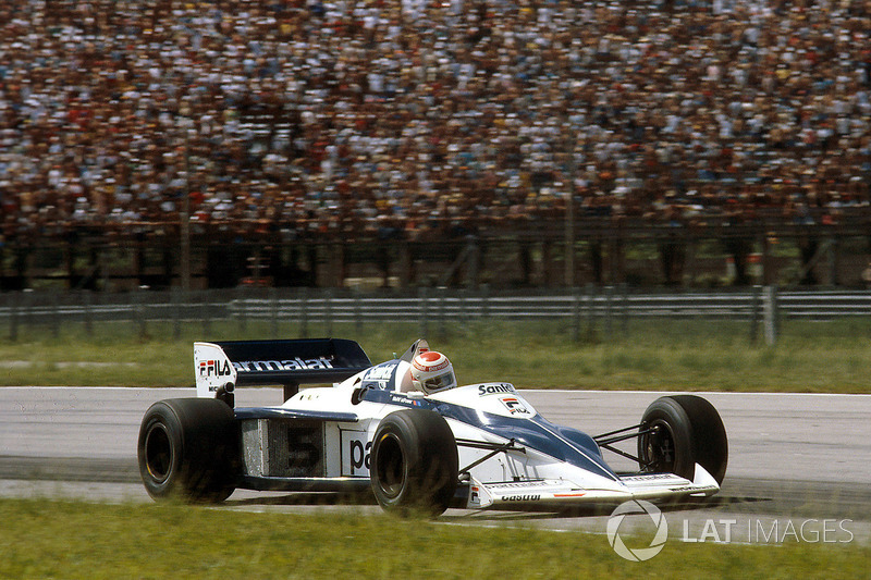 1983: 15 carreras – Campeón: Nelson Piquet