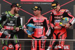 Podyum: Yarış galibi Marco Melandri, Aruba.it Racing-Ducati SBK Team, 2. Tom Sykes, Kawasaki Racing,