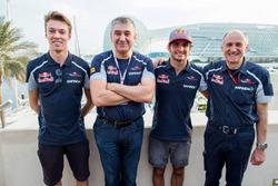Serguei Beloussov con Daniil Kvyat, Toro Rosso, Carlos Sainz Jr., Toro Rosso e il Team Principal della Scuderia Toro Rosso, Franz Tost