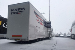 RUSSIAN TIME motorhome truck under the snow