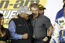 Rick Hendrick, proprietario del team Hendrick Motorsports e Bill Elliot