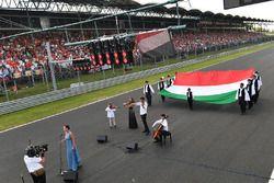 Uroczyste odegranie hymnu narodowego