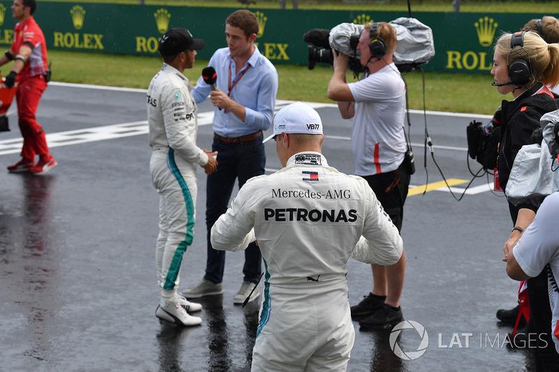Lewis Hamilton, Mercedes-AMG F1 talks with Paul di Resta, Sky TV and Valtteri Bottas, Mercedes-AMG F1 in parc ferme