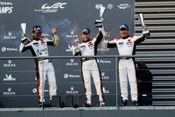 LMGTE Am podium: third place #61 Clearwater Racing Ferrari 488 GTE: Weng Sun Mok, Keita Sawa, Matthew Griffin
