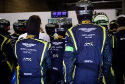 Aston Martin Racing mechanics