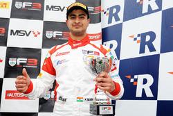 Podium: race winner Kush Maini, Lanan Racing