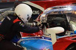 #17 SMP Racing BR Engineering BR1: Stéphane Sarrazin, Egor Orudzhev, Matevos Isaakyan refueling