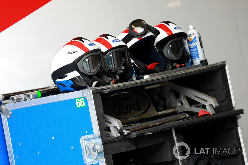 Crew helmets Ford Chip Ganassi Racing Ford GT