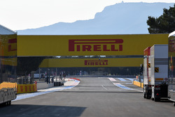Main straight and Pirelli branding