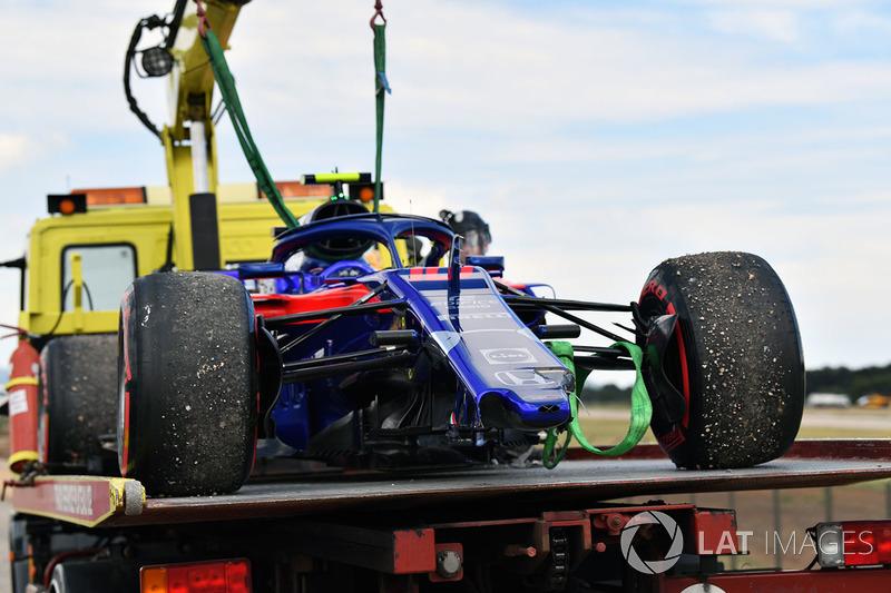 El coche accidentado de Pierre Gasly, Scuderia Toro Rosso STR13