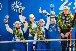 Podium LMP2 : deuxième place Nicolas Lapierre, Andre Negrao, Pierre Thiriet, Signatech Alpine
