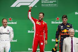Valtteri Bottas, Mercedes AMG F1, 2e plaats, Sebastian Vettel, Ferrari, 1e plaats en Max Verstappen, Red Bull Racing, 3e plaats