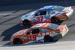Daniel Suarez, Joe Gibbs Racing Toyota Chris Buescher, JTG Daugherty Racing Chevrolet